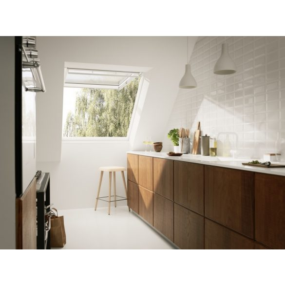 Panoráma műanyag bevonatú tetőtéri ablak alsó/felső kilinccsel